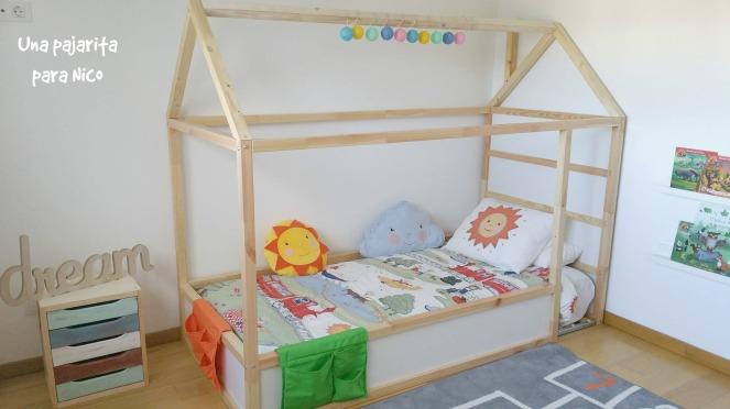 diy cama casita montessori con cama kura una pajarita para nico. Black Bedroom Furniture Sets. Home Design Ideas