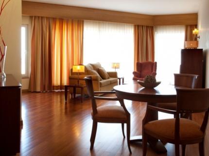 solplay-hotel-de-apartamentos-linda-a-velha-lisboa_270920111423374422