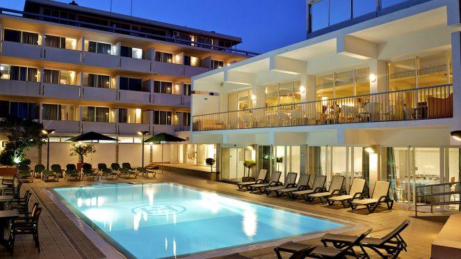 hotel-londres-gallerypool-night